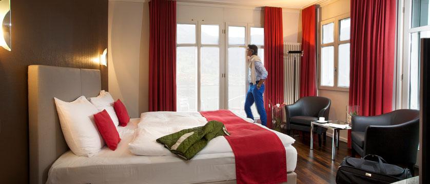 switzerland_jungfrau-ski-region_grindelwald_hotel-belvedere_classic-bedroom2.jpg